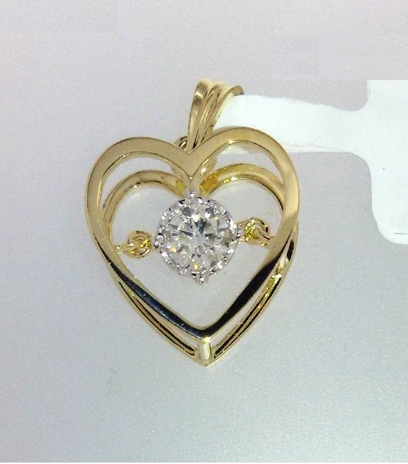 Kreeli-feedback-images-Dancind Diamond Heart Pendenrt635324797834000000.jpg